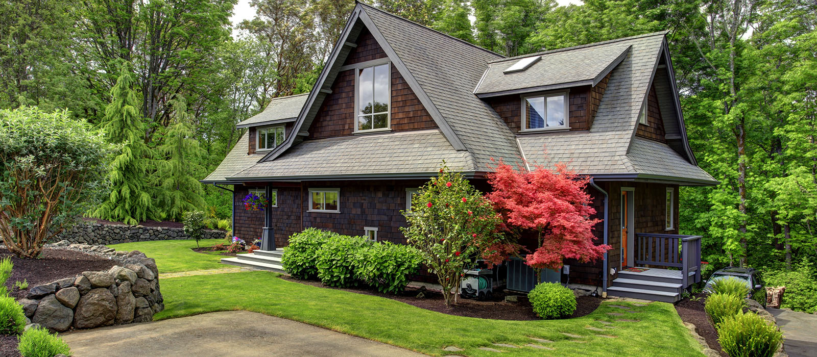 portland-relocation_0003_bigstock-House-With-Beautiful-Curb-Appe-62568296