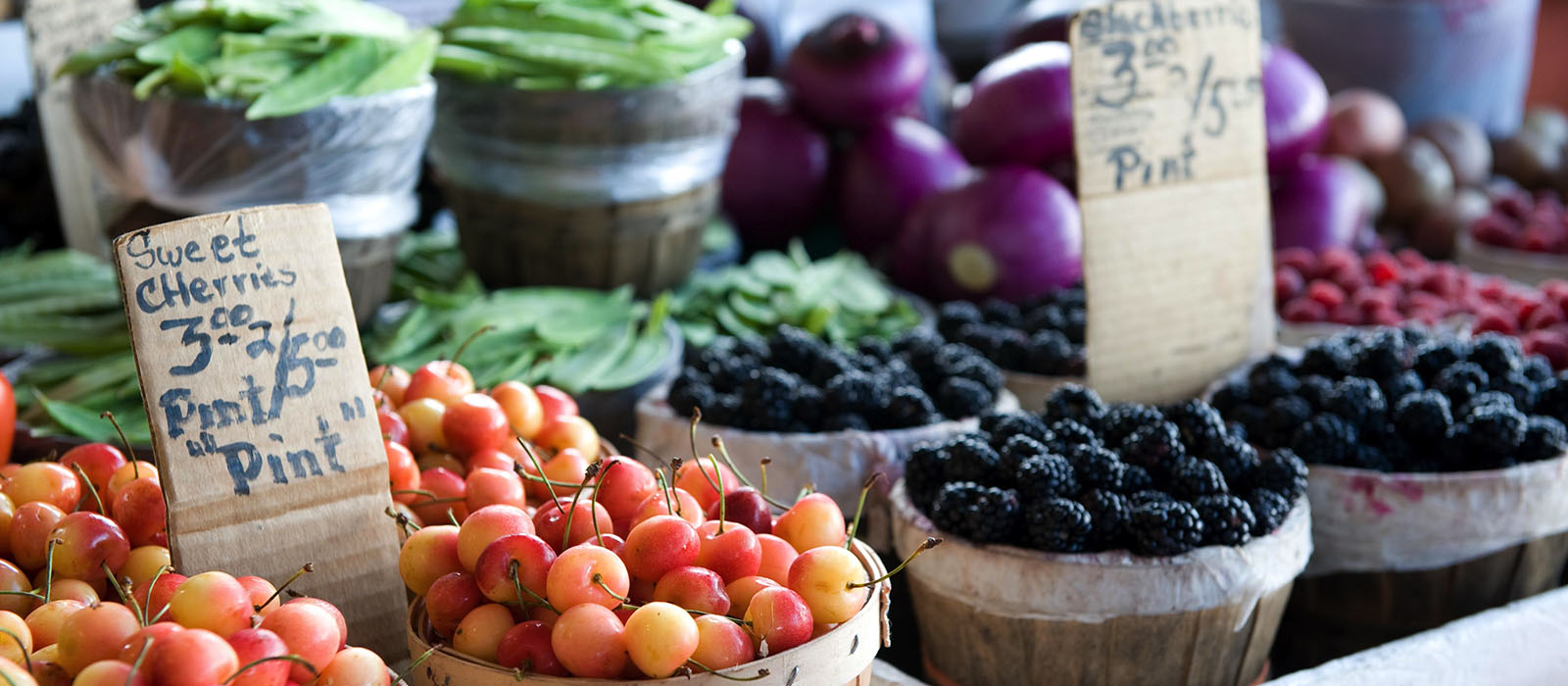 portland-relocation_0005_bigstock-Fruits-And-Vegetables-At-An-Ou-3292393