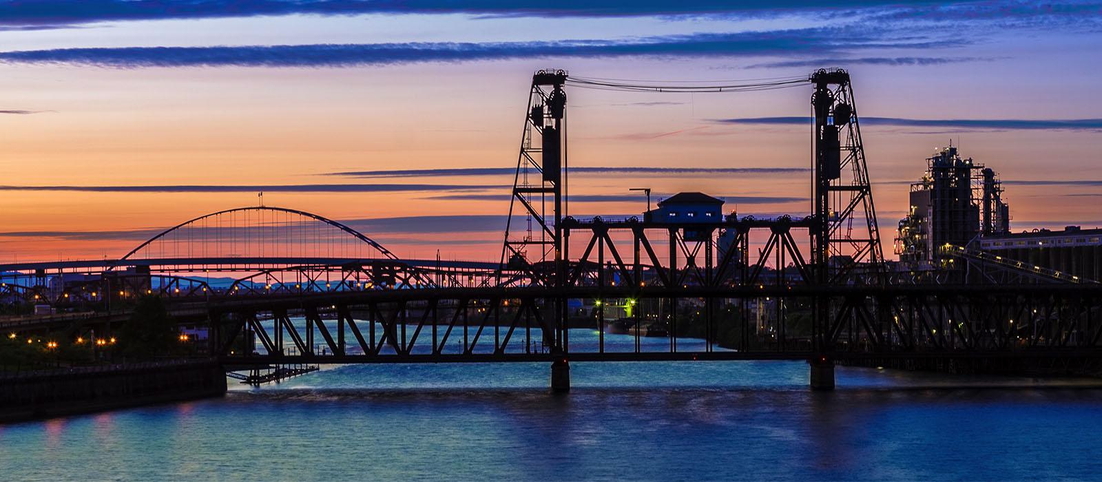 portland-relocation_0012_bigstock-Night-Scene-Of-Portland-Orego-91165007